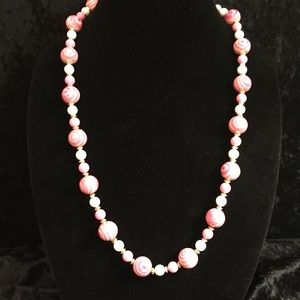 Jewelry - Vintage Pink Swirls Bead Necklace JJ041
